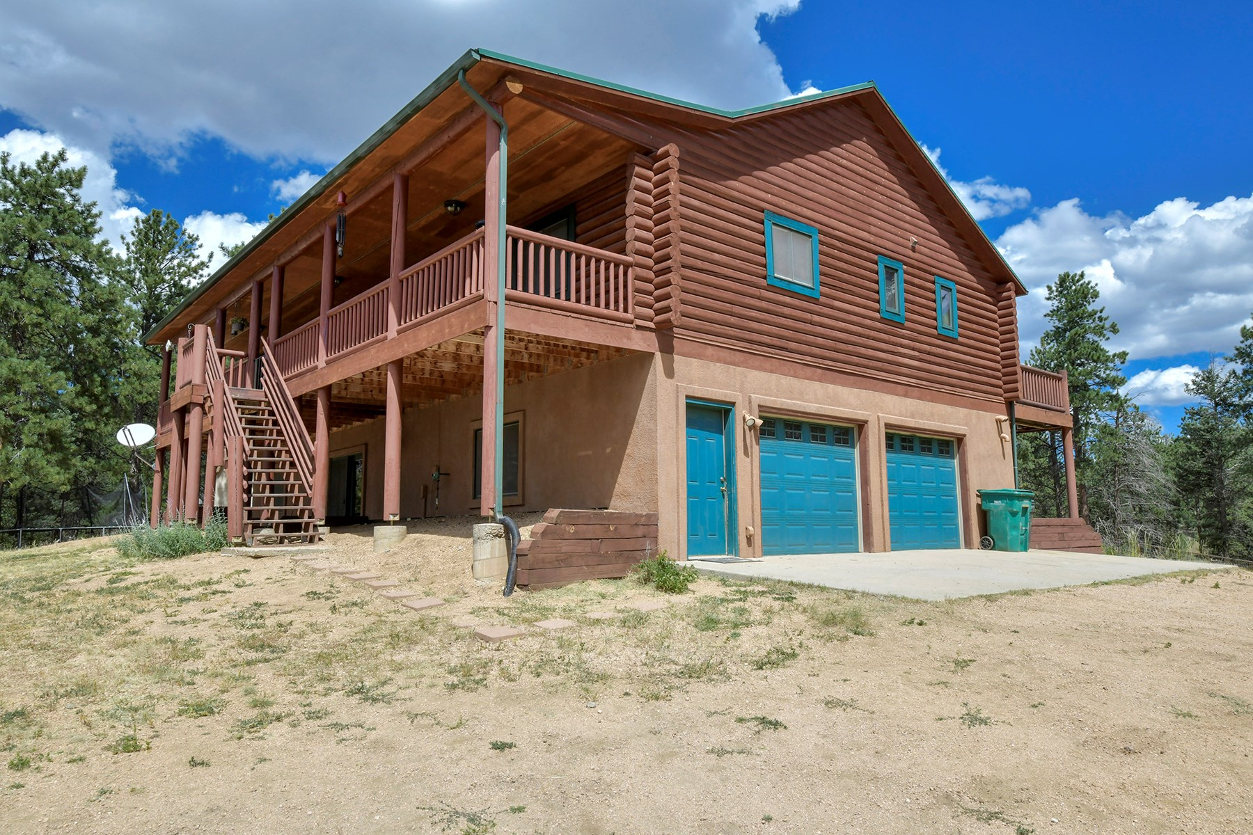 Log home for sale in central Colorado