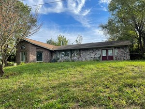 2100 SQUARE FOOT FIXER UPPER IN BEAN STATION, TN FOR SALE