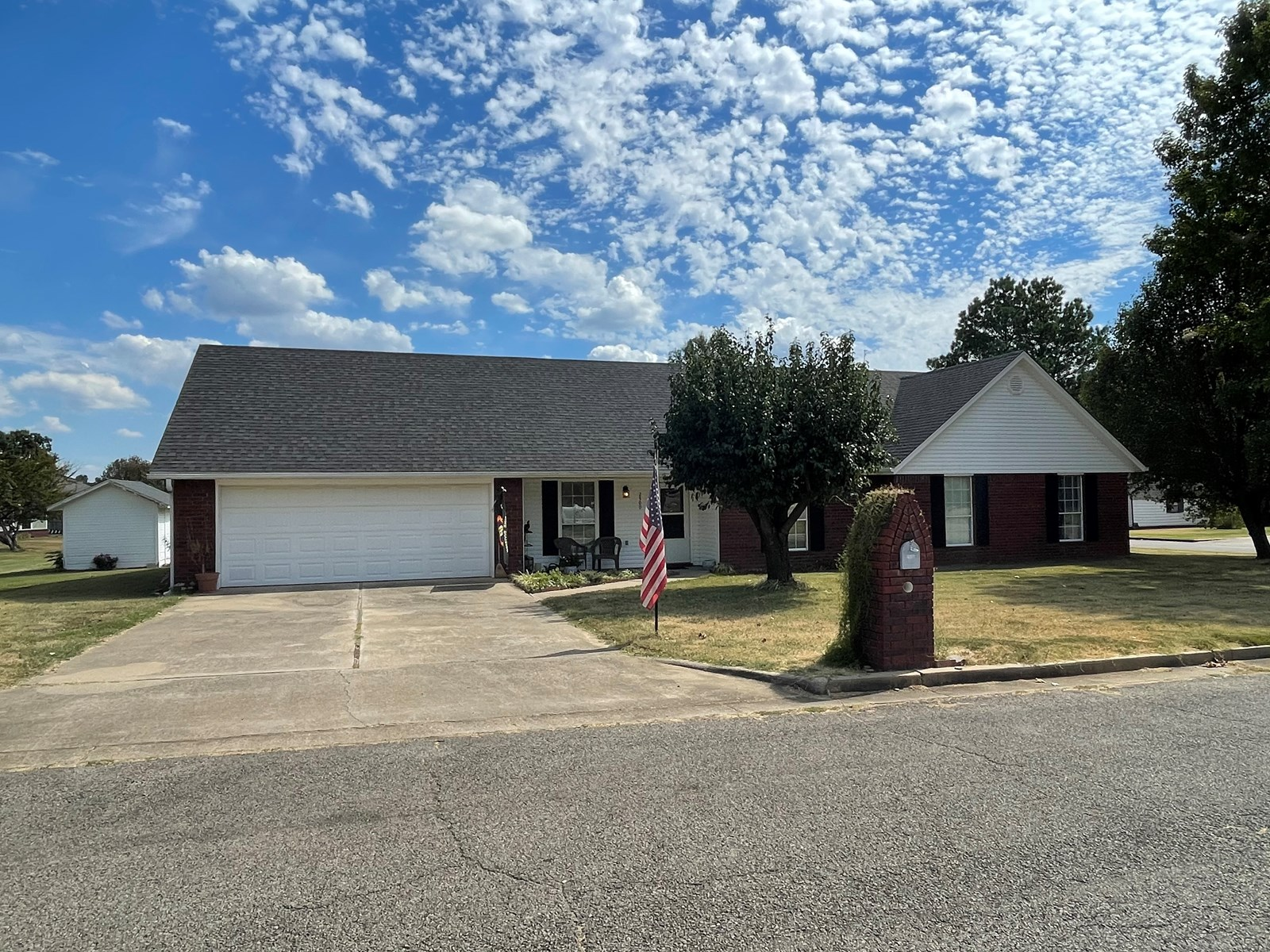 3 BEDROOM 2 .5 BATH HOME FOR SALE IN POTEAU, OK