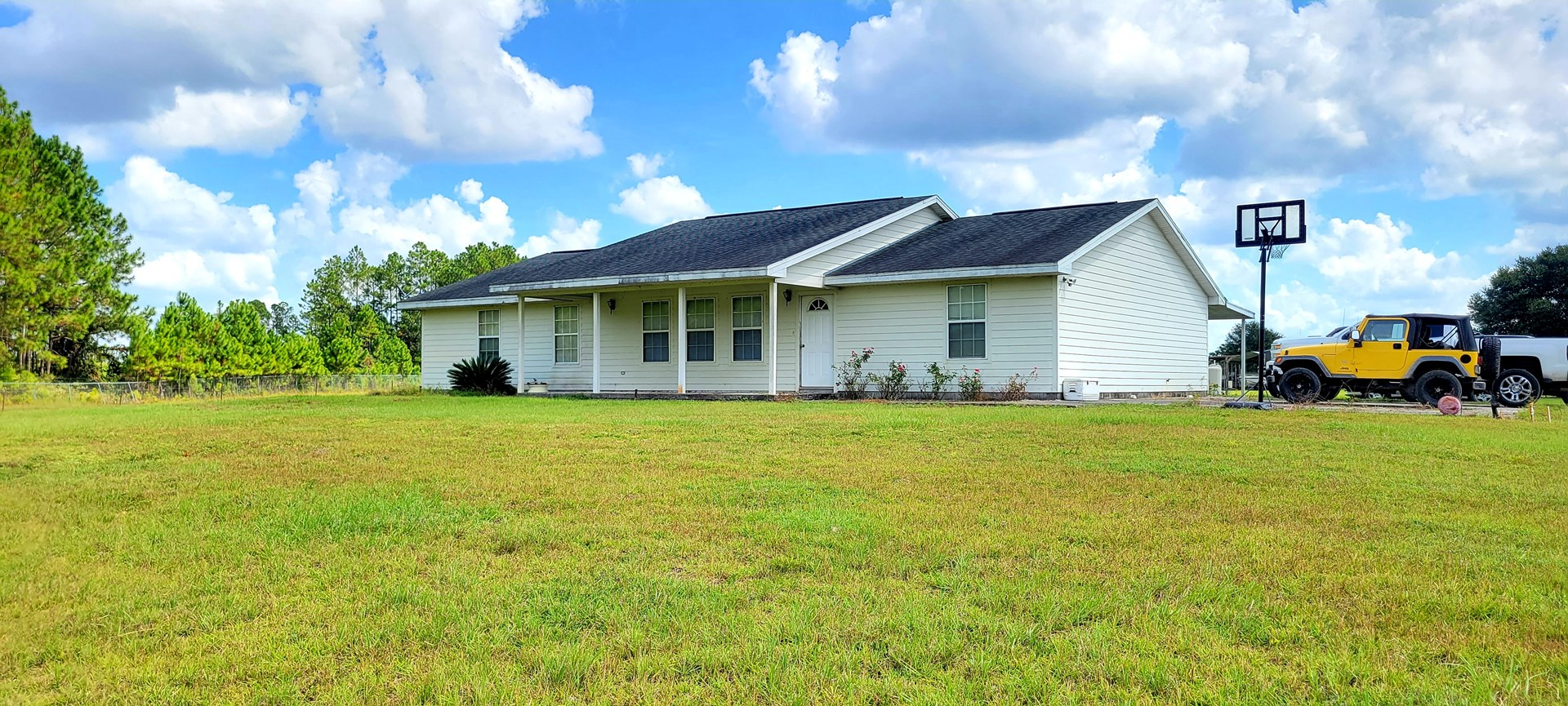 BEAUTIFUL 3/2 HOME ON 5 AC FOR ONLY $425,000.00!!!!