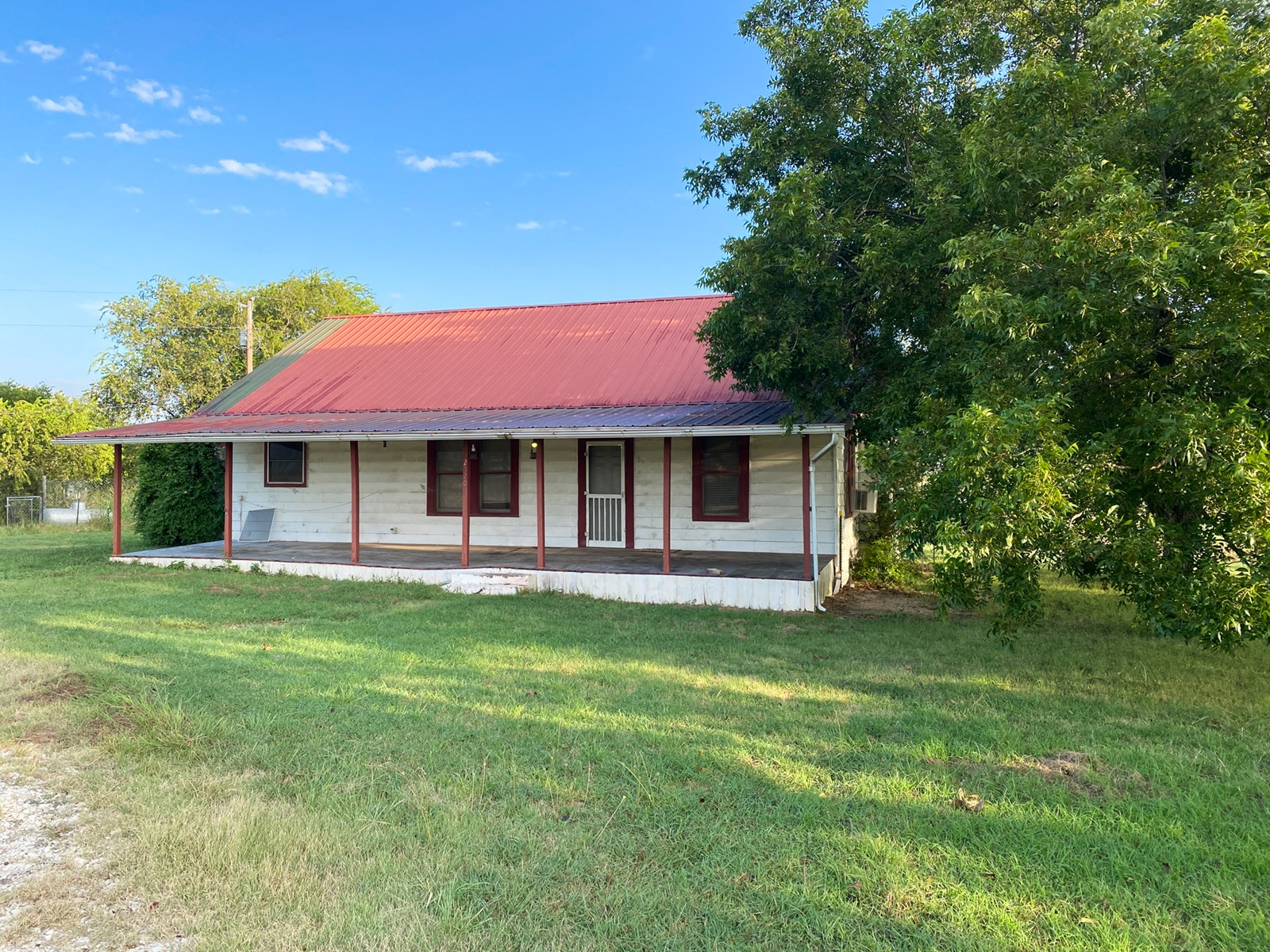 Country Home Fixer Upper For Sale in Gatesville, Texas