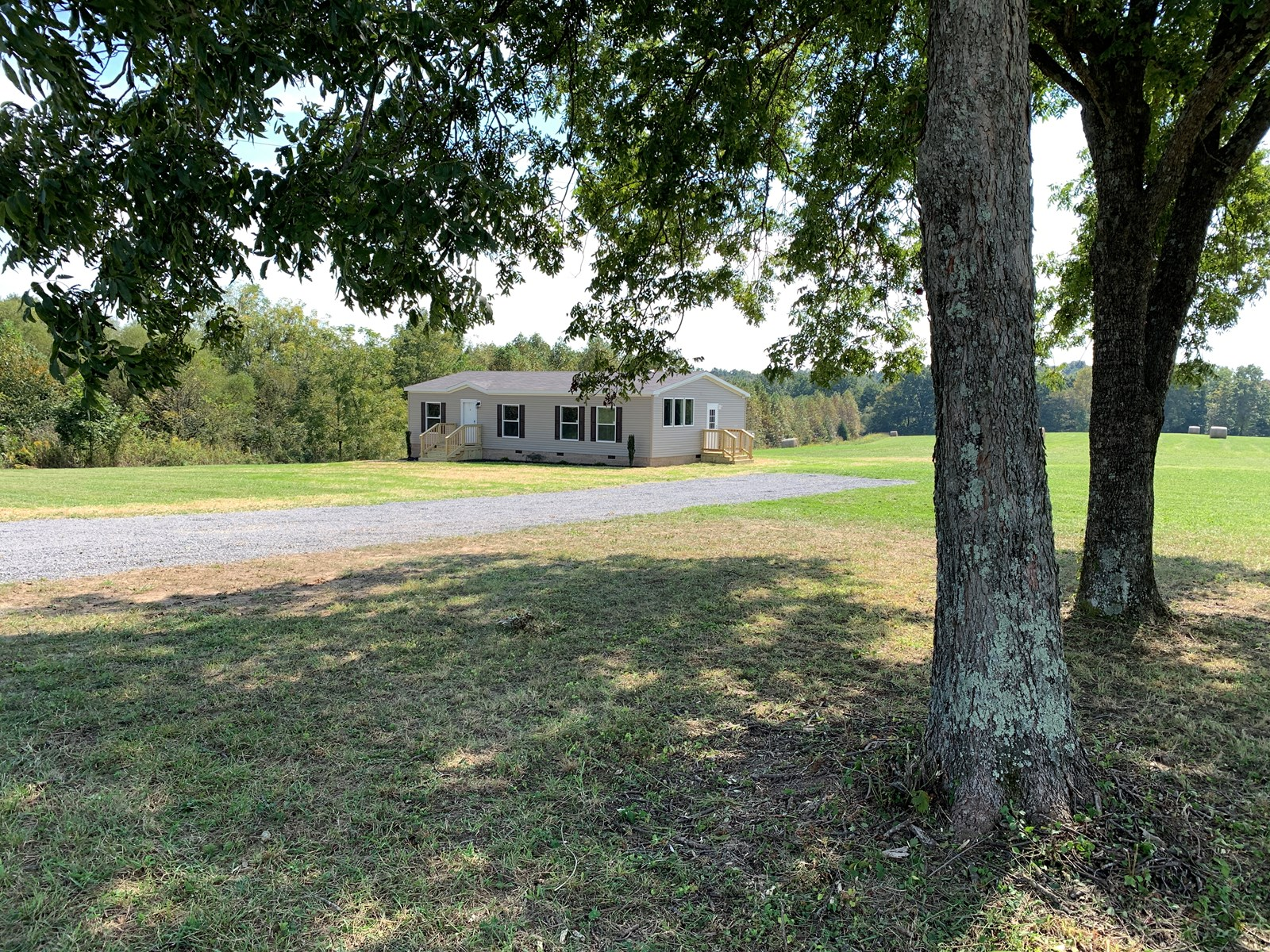 NEW MANUFACTURED HOME - 8.7 ACRES - HOBBY FARM - LIBERTY, KY