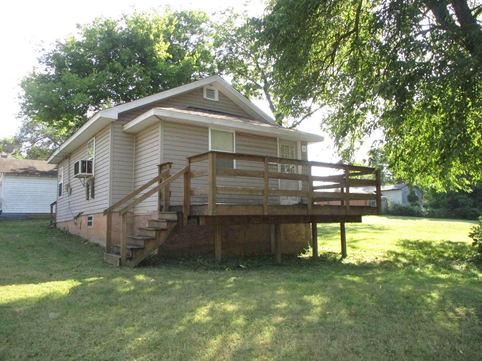 1 Bedroom, 1 Bath Cottage, Starter home or investment