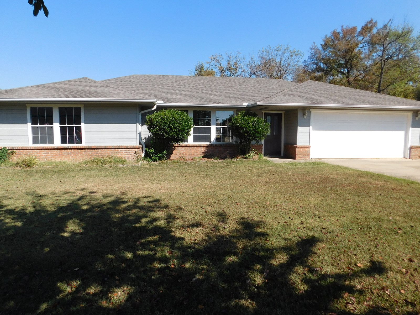 LARGE LOT, HOME IN TOWN, SOUTHEASTERN OKLAHOMA