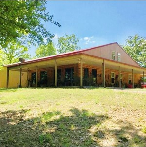 SOUTHEAST OKLAHOMA HILLTOP HOME WITH CREEK