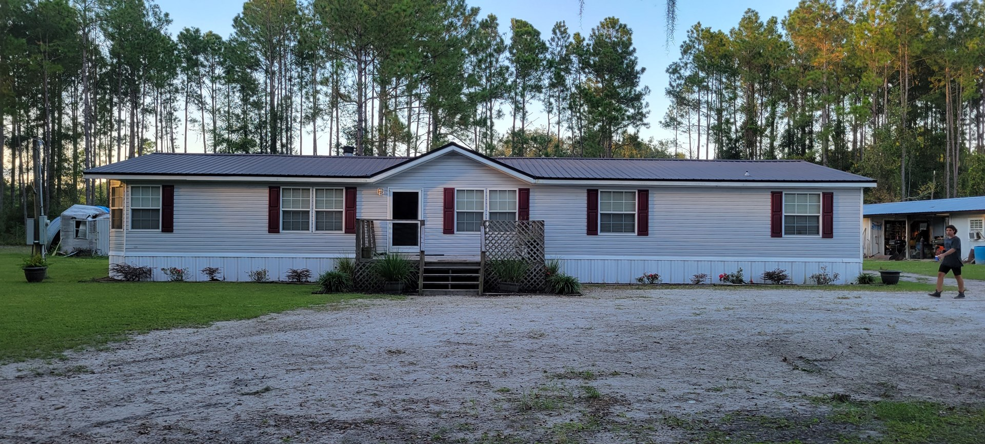BEAUTIFUL 4/2 HOME ON 5 AC FOR ONLY $300,000.00