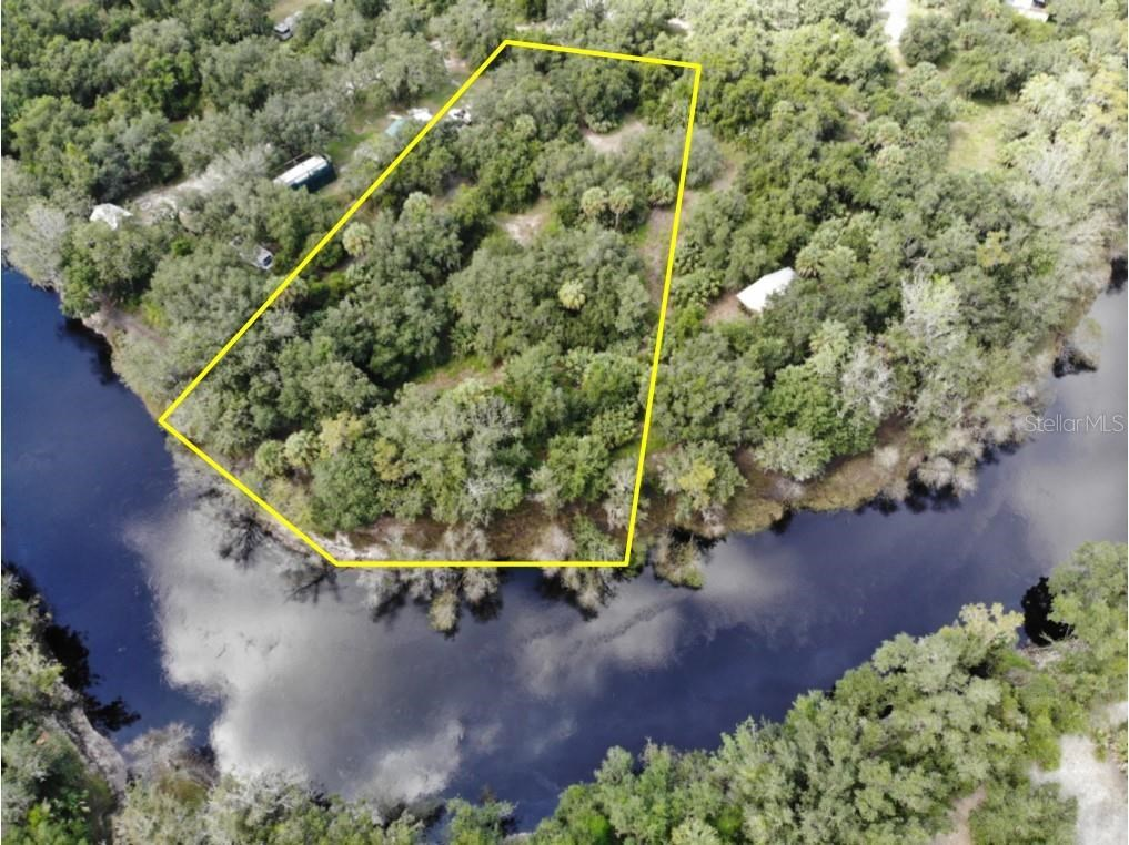 1+/- acre on the Peace River in Arcadia, FL!