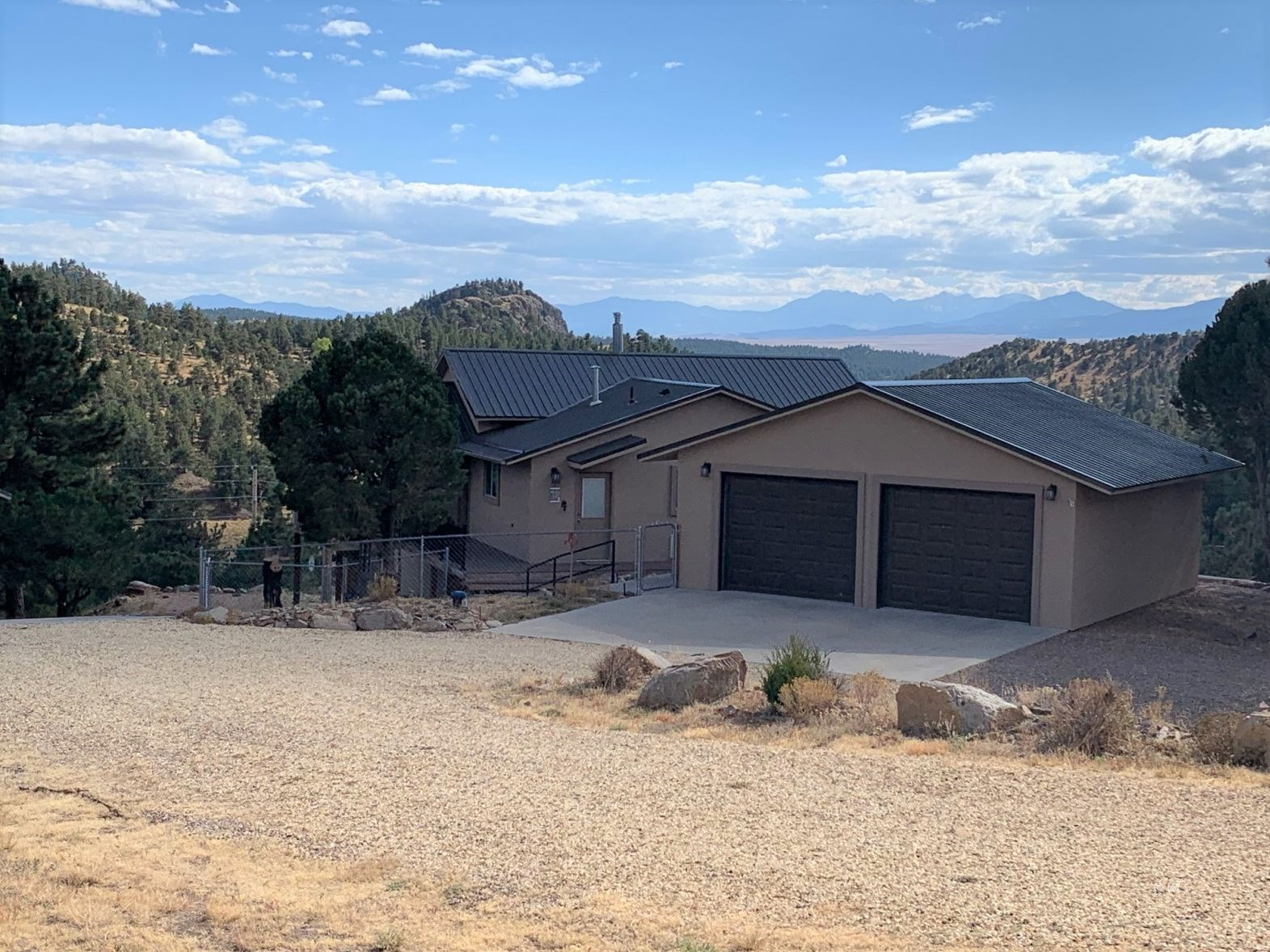 Beautiful Ranch Home with Amazing Mountain Views