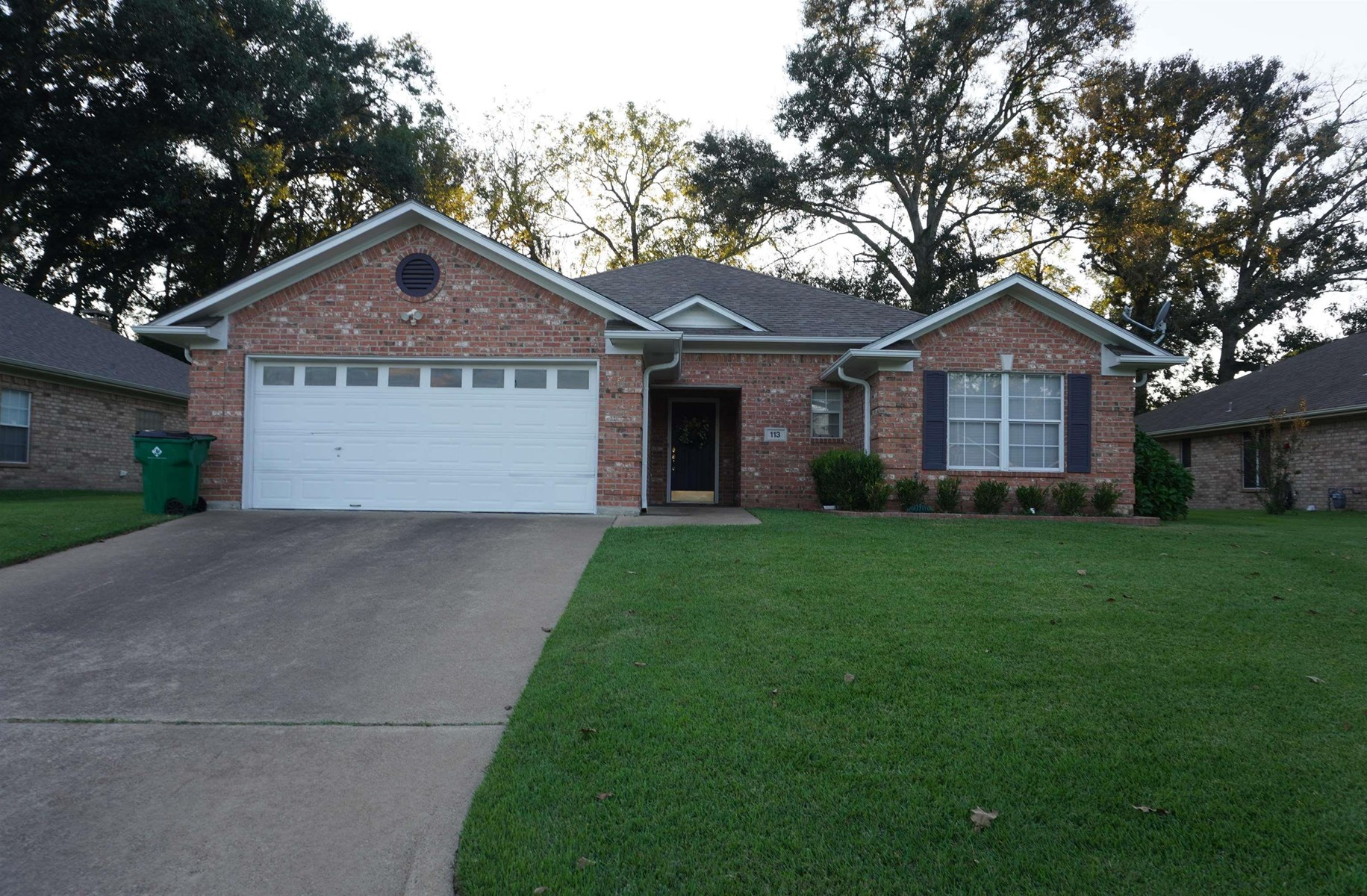 MOVE-IN READY HOME LOCATED IN PALESTINE TEXAS