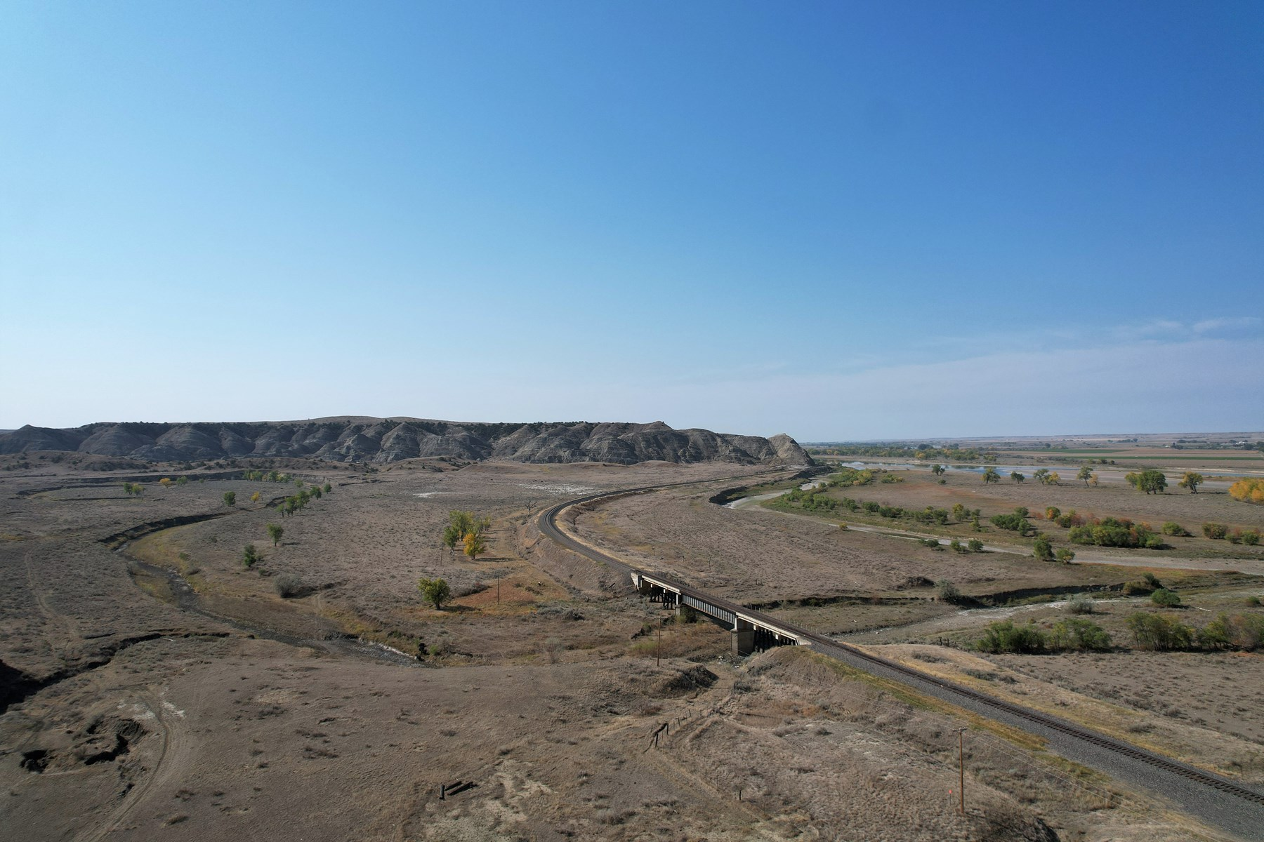 Hunting or pasture land with Yellowstone River Access