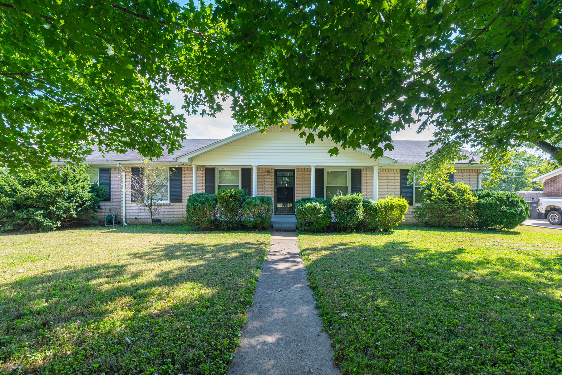 Single Family Home on Corner Lot for Sale in Columbia, TN