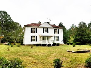 1920'S FARMHOUSE ON OVER 30 ACRES IN SOUTHERN VA