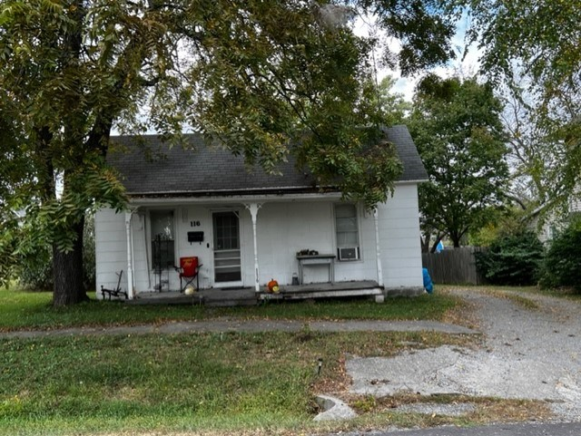 CAMERON MO AFFORDABLE HOME FOR SALE...INVESTMENT OPPORTUNITY