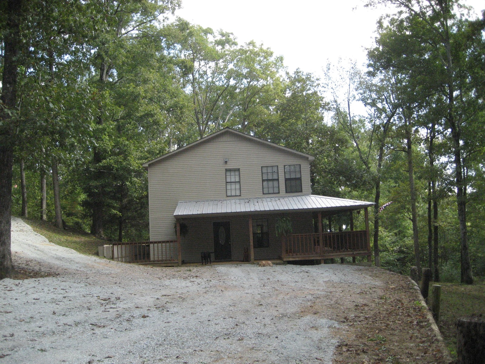 HOME FOR SALE WITH SHOP NEAR THE TN RIVER