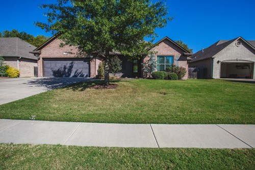 Move in Ready Home in Plainview School District