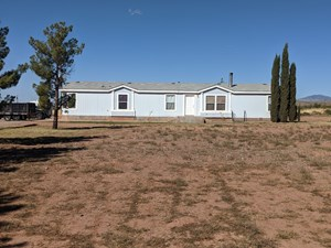 QUIET COUNTRY HOME ON 10 ACRES, 4 BED 2 BATH, HORSES WELCOME