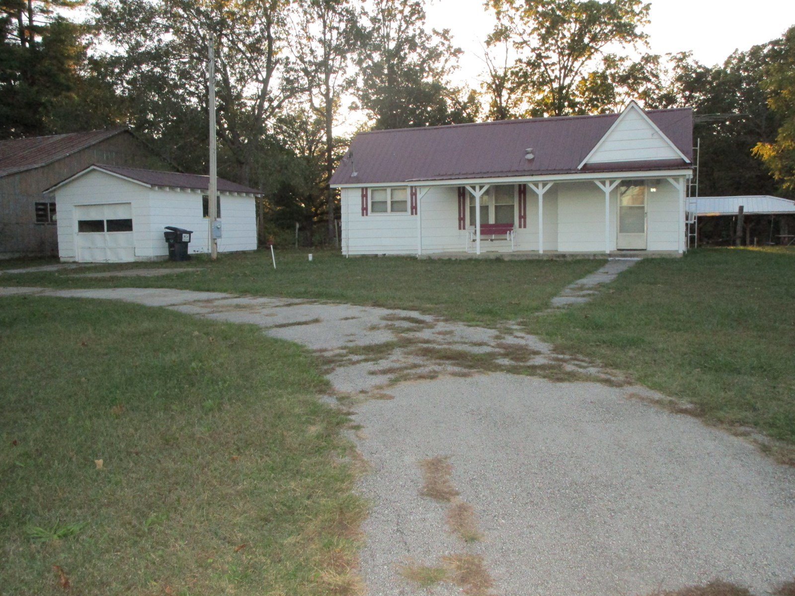 House in a Small Town for Sale in South Central Missouri