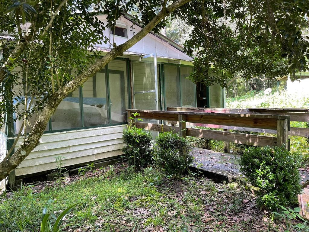 1966 Vintage Charmer Fixer Upper Home Perfect for a Start!