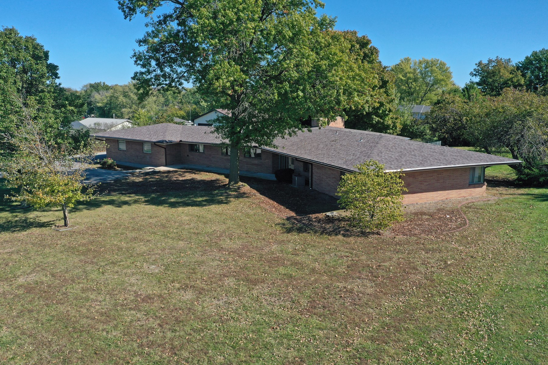 Large One-Level Ranch Home in Bethany, MO