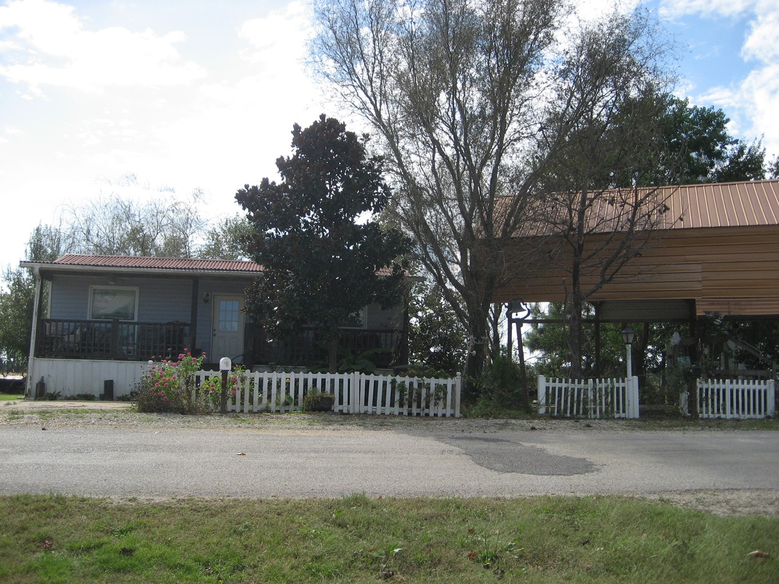 HOME FOR SALE CLOSE TO FISHING & BOATING