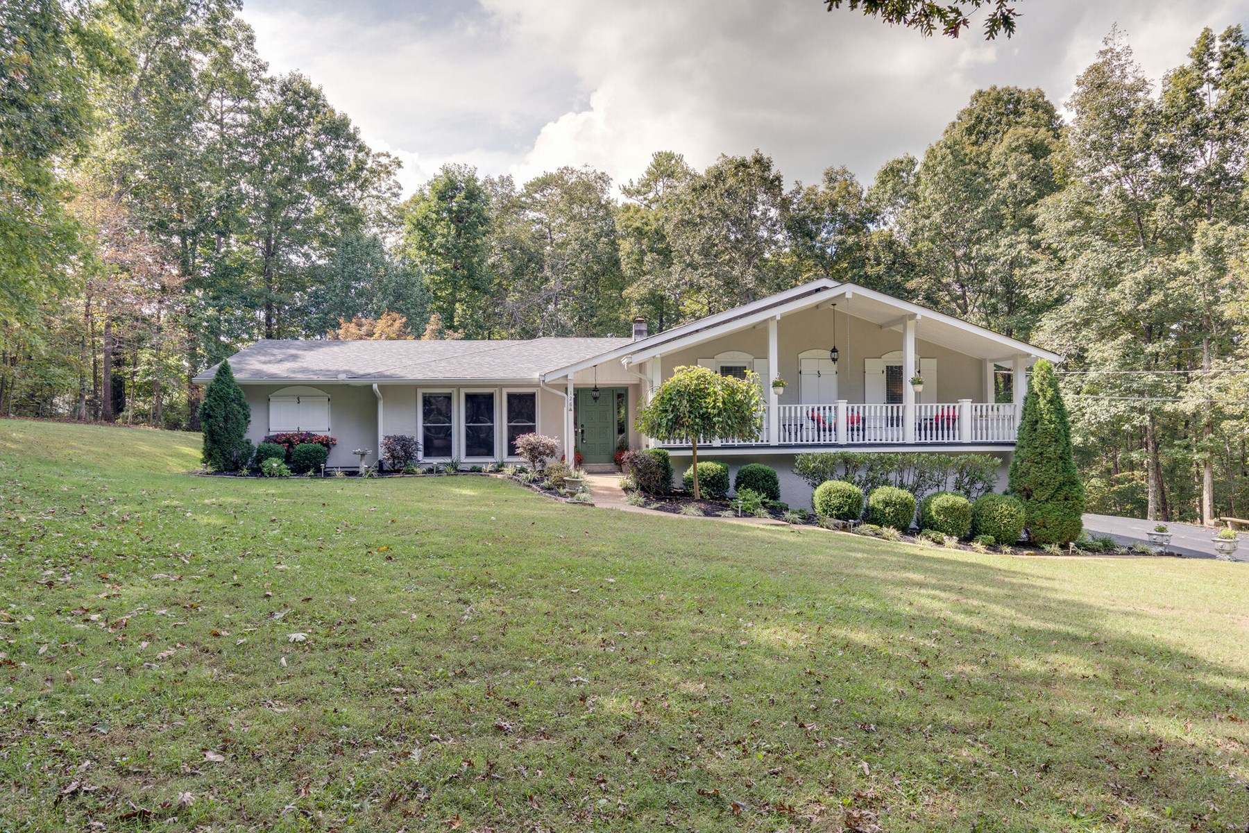 Country Home Near Golf Course for Sale in Hohenwald, TN