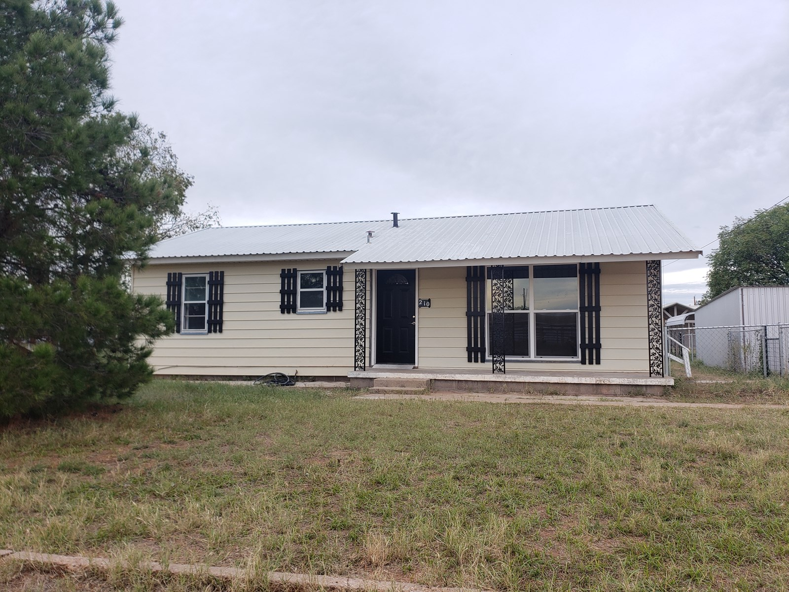 Newly remodeled home near San Angelo, TX