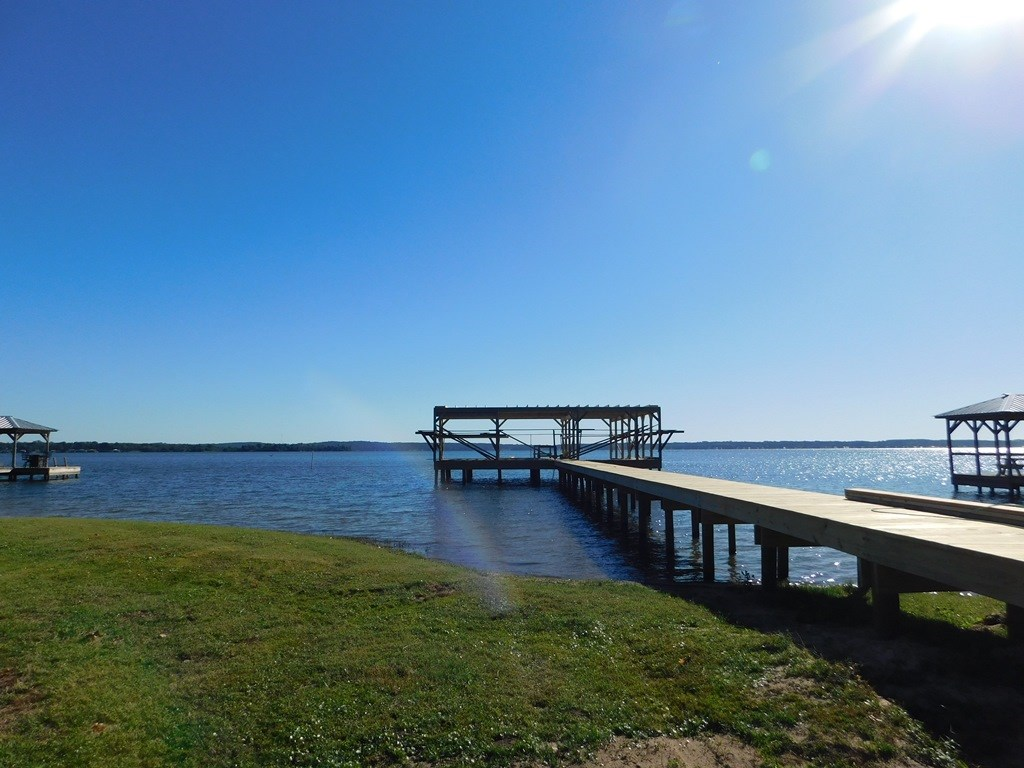 SPECTACULAR LAKE PALESTINE WATERFRONT HOME FOR SALE