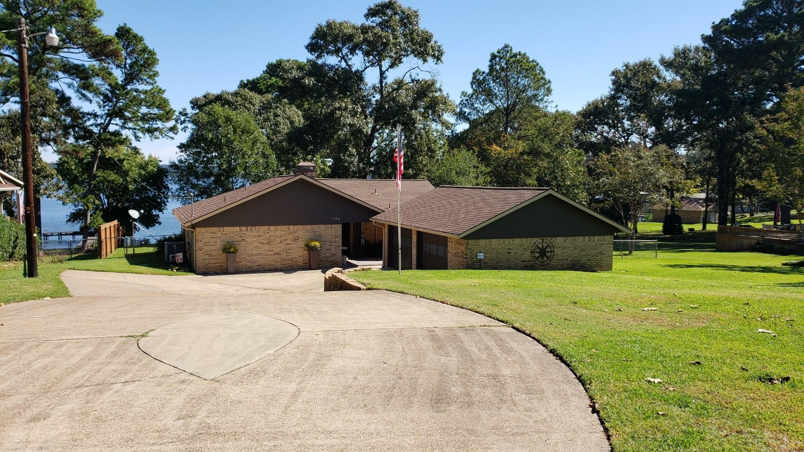 LAKEFRONT HOME FOR SALE LAKE PALESTINE | WATERFRONT PROPERTY