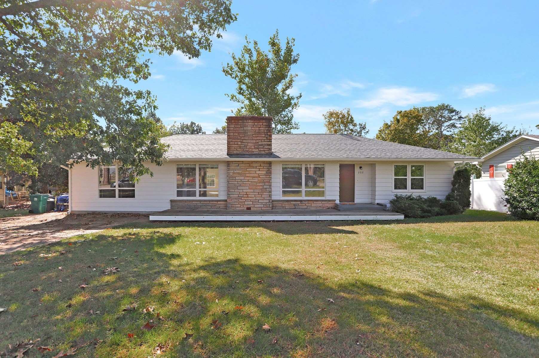 Home for Sale Close to Park & School in Willow Springs, MO