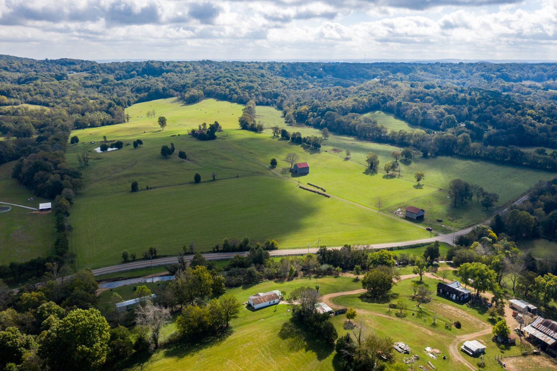 Equine or Cattle Farm for Sale in Mount Pleasant, Tennessee