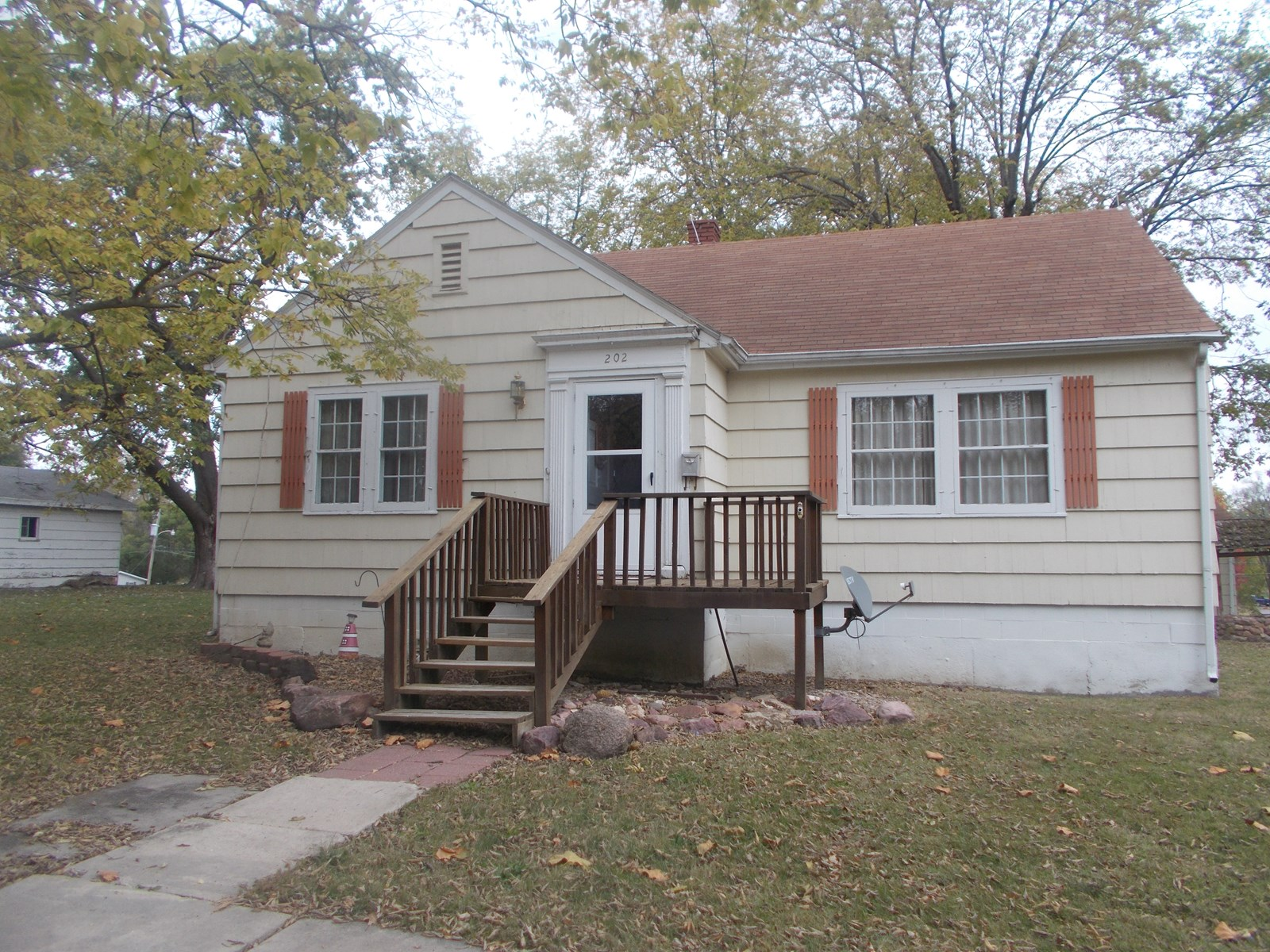 Home For Sale on Nice Corner Lot in Albany MO