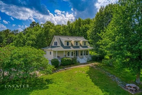 Beautiful Farm Home on 13+ Acres For Sale Harrison, Ar