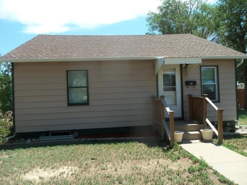 Ulysses Ks 3 Br---320 S Hickok---under Contract