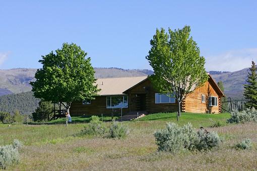 Log Home On 60 Acres Near Cedaredge Co