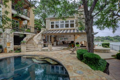 Lakefront Home Boat Dock Near Fort Worth Texas