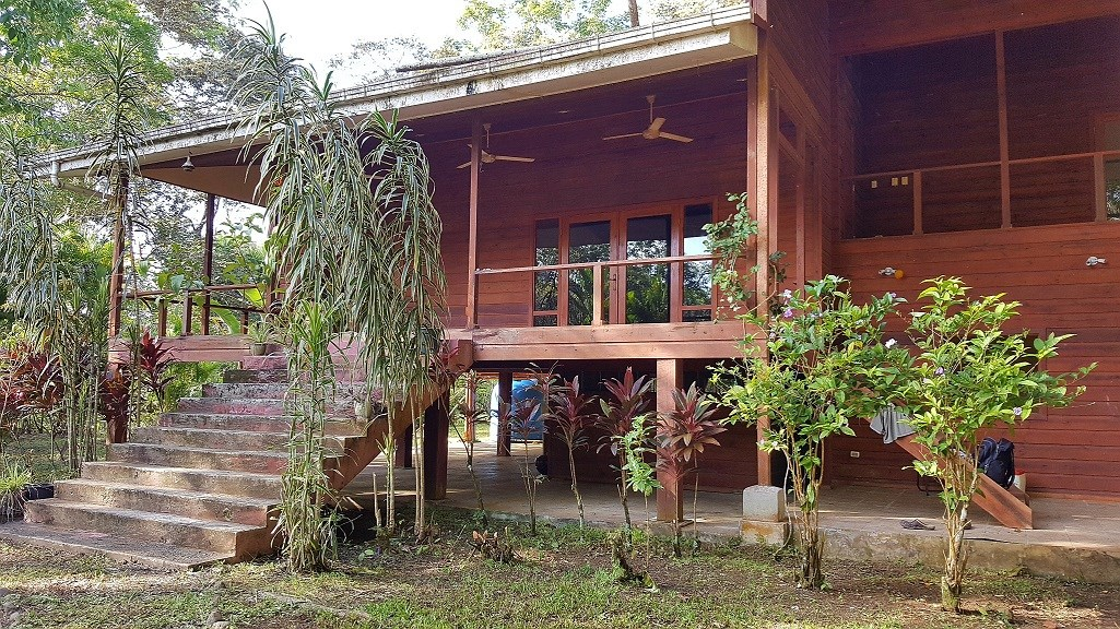 Titled Coastal Fixer  Home, Bocas del Toro close in