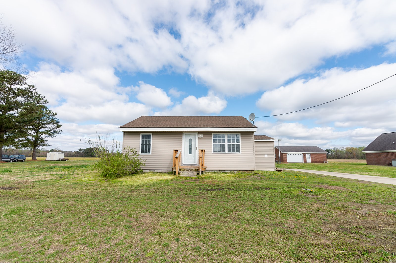 Country Home in Northern  Elizabeth City NC-Close to VA Line