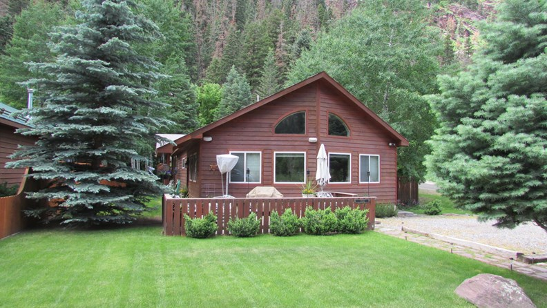 CHECK OUT THIS BEAUTIFUL OURAY HOME!