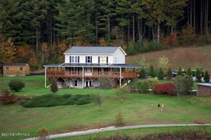 PRIVATE OASIS IN THE MOUNTAINS OF FLOYD VA!