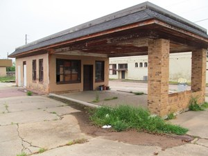 HISTORIC COMMERCIAL BUILDING IN WINNSBORO TEXAS FOR SALE!