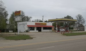 COMMERCIAL PROPERTY FOR SALE IN YATES CENTER, KANSAS