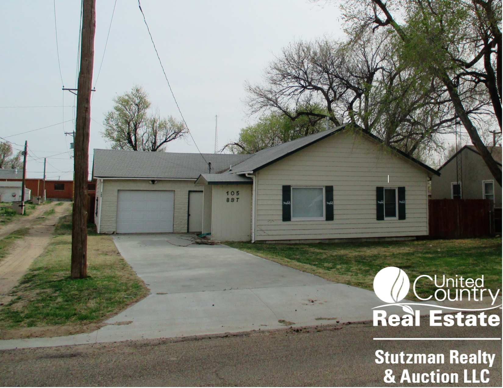 PRIVATE AUCTION - ELKHART, KS 2 BEDROOM, 1 BATH HOME