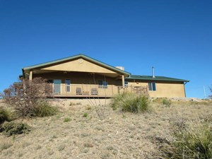 ENERGY EFFICIENT CUSTOM COUNTRY HOME IN SW NEW MEXICO