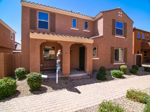 SUPER UPGRADED GILBERT HOME BY 202 WITH SOLAR!
