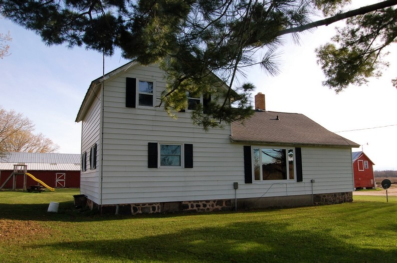 Farm & Country Home for Sale in Waupaca County WI