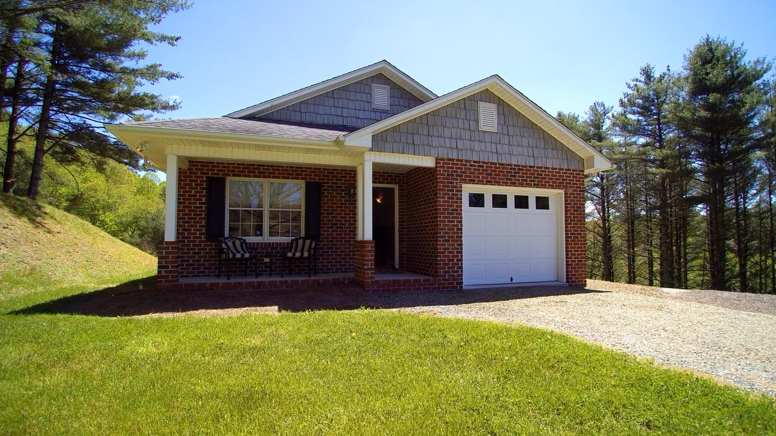 Home and Large Acreage in Blue Ridge Mountains