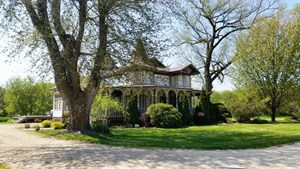 RIVERFRONT HISTORIC HOME FOR SALE RICHLAND CO WI