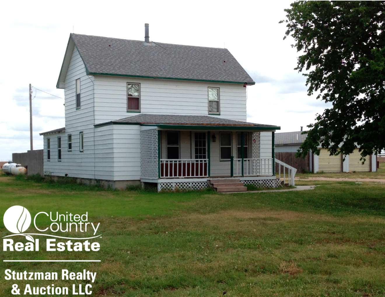 COUNTRY HOME & ACREAGE FOR SALE IN SOUTHWEST KANSAS