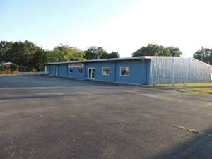 COMMERCIAL PROPERTY WITH 2 BUILDINGS IN HARDIN COUNTY TN