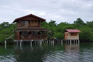 TWO PANAMA COASTAL OCEANFRONT HOMES ON BASTIMENTOS, PANAMA